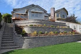 paver patio with retaining wall