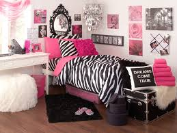 college bedroom decor it is always nice to purchase high quality bedding for your own room or the guest bedroom after all these are both your rooms and your guests will