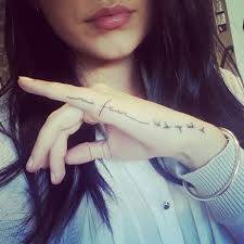 1000 ideas about hand tattoos girl on pinterest neck tattoos simple henna tattoo and black and gray tattoos bedroom cool cool ideas cool girl tattoos