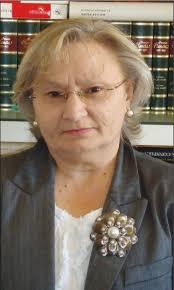 Guadalupe Cano nació en Logrosán en 1959, y no había cumplido su primer año de vida cuando su familia se traslado a Madrid. Se licenció en Derecho por la ... - guadalupe-cano