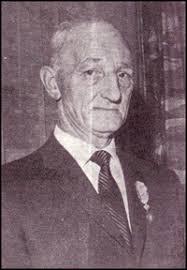 Samenstelling Koos Prooi. PERSONEELSORGAAN HVO, Januari 1965. 40-jarig jubileum. Op 22 december 1965 was de heer J. van Zelm, kras in de afdeling ... - sp14001
