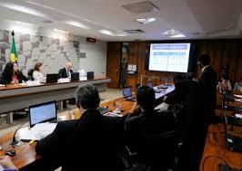 Resultado de imagem para comissão do senado critica pec do teto fotos