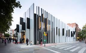 mercado de getafe by a cero building facade lighting