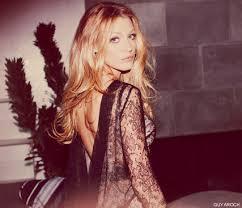 REVEALED: Blake Lively on Gossip Girl, <b>Karl Lagerfeld</b> and <b>her</b> ...