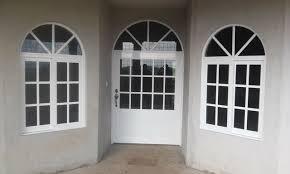 Resultado de imagen de ventanas y vitrinas de aluminio y vidrio