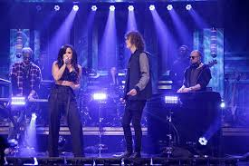 Demi Lovato & Cheat Codes' 'No Promises' Performance On ...
