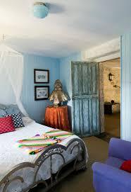 soothing coastal bedroom designs