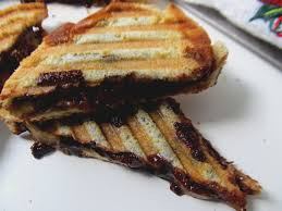 food and thrift nutella and banana panini i must warn you this nutella panini is not elegant there s no other way to present it to make it look fancy it s what you see is what you get kind of