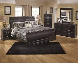 world pc bedroom set king