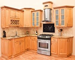 Honey Maple Kitchen Cabinets How To Beautify A Kitchen With Maple Kitchen Cabinets Kitchen Ideas