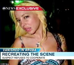 Partying hours before she vanished: Aruban police release pictures of Robyn Gardner out with murder suspect ... - article-2039153-0DFB871D00000578-359_634x558
