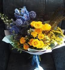 <b>Подарочная коробка</b> «<b>Оранжевый градиент</b>» Солидаго (4), Роза ...