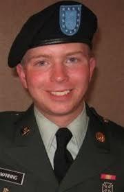 """... är menige Bradley Manning, 23 år, gay, IT-expert i Irak. Det var han som laddade ner alla dessa """"läckor"""", utan honom hade WikiLeaks inte haft mycket att ... - Bradley%2BManning"""