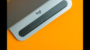 Logitech <b>Logi BASE Charging Dock</b> for iPad Pro - Review - YouTube