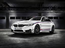Компания BMW в честь победы своего пилота в чемпионате DTM ...