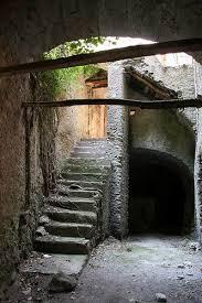 Il fascino dei luoghi abbandonati Images?q=tbn:ANd9GcQplYsNYujbHcbgq-E8nbUJPTFOw_jOGrufqbC9jMQUNFqHAZGb