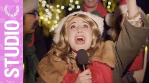 Celine Dion Goes Christmas Caroling - YouTube