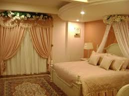 wood modern bedroom red