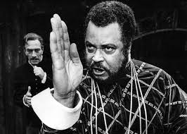 why is othello black understanding why shakespeare made his hero actor james earl jones as othello and christopher plummer as iag
