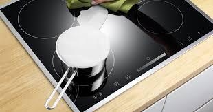 Как ухаживать за плитой и варочной панелью: советы эксперта ...