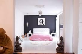 bedroom white pink