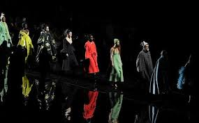 <b>Marc Jacobs</b> | Official Site