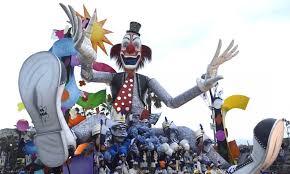 Risultati immagini per viareggio carnevale 2016 barbari