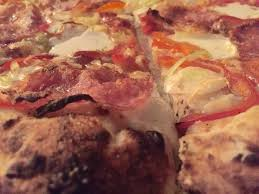 restaurant review arturo s osteria and pizzeria south a favorite at arturo s margherita pizza credits jonathan sym
