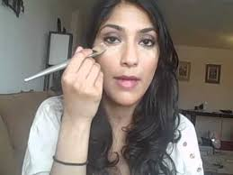 video makeup tutorial how to properly apply under eye concealer