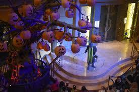 The <b>Halloween Pumpkin Tree</b>   Main Street Magic, LLC.