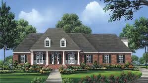 Colonial House Plans and Colonial Designs at BuilderHousePlans comColonial Style House   Plan HWBDO