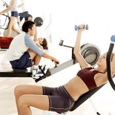 Resultado de imagem para foto de pessoa fazendo aerobico