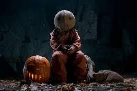 Список идеальных фильмов для домашнего Хэллоуина ...