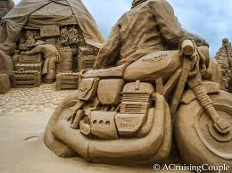 fulong taiwan sand sculpture festival a cruising couple fulong international sand sculpture festival taiwan