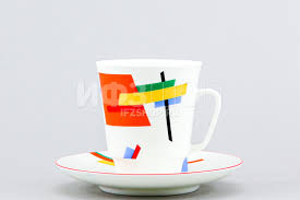 <b>Чашка с блюдцем кофейная</b> ф. Майская рис. Движение №5