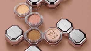 <b>Fenty Beauty</b> Debuts Fairy Bomb Shimmer Powder at Sephora Event