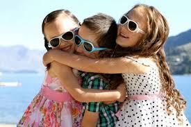Как выбрать <b>солнцезащитные очки</b> ребёнку?