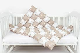 <b>Одеяло</b> в технике «<b>бонбон</b>» (44 фото): что это такое ...