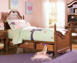 girl bedroom sets neat design simple and neat design  bedroom simple and neat design ideas using whi