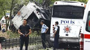 تركيا - انفجار يستهدف حافلة عسكرية وسط اسطنبول وسقوط قتلى وجرحى