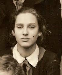 Марина Хмельницкая. Ее мама Наталья Горина, также была актрисой. Но я по своей необразованности ничего этого не ведала, а просто знала, что величественная, ... - file