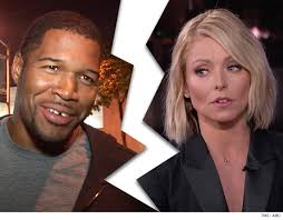 Image result for kelly ripa michael strahan fight