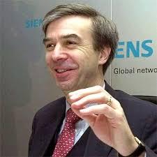 <b>Heinz-Joachim</b> Neubürger im Jahr 2001 als Finanzvorstand von Siemens. - siemensmann-prosieben