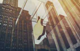 how apple tesla and disney provide excellent customer service apple store in new york city a store famous for providing excellent customer service