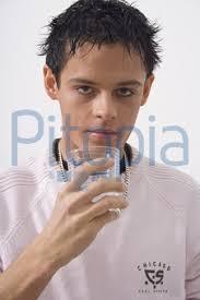 Mann trinkt Wasser (<b>Udo Kuehn</b>) - lizenzfrei (royalty free) - quovadis_398540