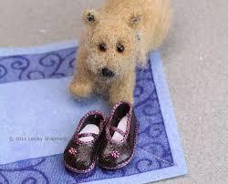 Make Custom-Fit <b>Shoe</b> Patterns for <b>Dolls</b>