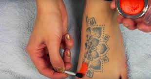 diy how to cover up a tattoo this is awesome awesome diy makeup