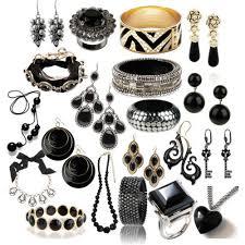 هدية للفتياتخواتم الماس سوداءمجوهرات من سواروفسكي لخريف وشتاء2012_2013محل الاكسورات في