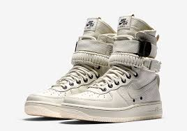 nikelab has been a reliable source for premium lifestyle takes on some of your favorite sportswear models for quite some time now so its no surprise that af1 white