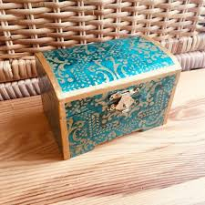 This item is unavailable | Gold pattern, <b>Wooden</b>, <b>Treasure chest</b>